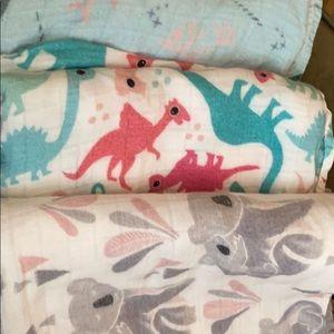 3 Tula blankets